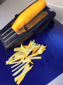 food-talk-4-u-hand-peeler-r-2